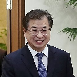 Inter-Korean summit with Suh Hoon1 (cropped).jpg