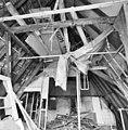 Interieur voorhuis, overzicht kapconstructie - Grave - 20326838 - RCE.jpg