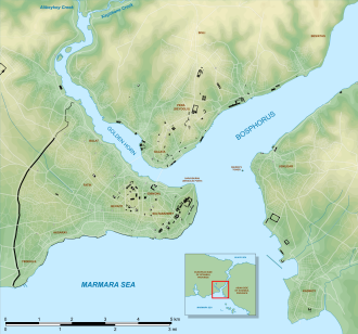 Golden Horn - Map of Istanbul's Historic Peninsula (lower left), showing the location of the Golden Horn and Sarayburnu (Seraglio Point) in relation to Bosphorus strait, as well as historically significant sites (black), and various notable neighborhoods.