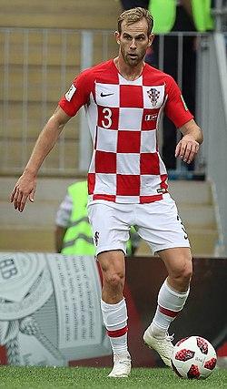 Ivan Strinić 2018.jpg