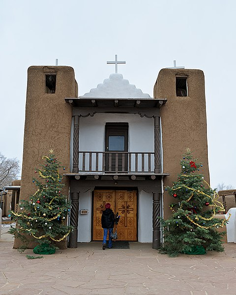 File:Jacki Enters Pueblo Church (6608638191).jpg