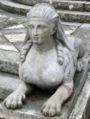Jardin El Capricho Sfinxs at Plaza de los Emperadores04 cropped.jpg