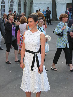 Jennifer Connelly at Central Park (121751299).jpg
