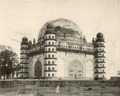 KITLV 377948 - Clifton and Co. - Gol Gumbaz in Bijapur in northern India - Around 1890.tif