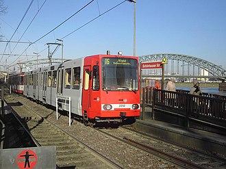 Cologne Stadtbahn - Image: KVB2252 Schoenhauser Str