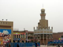 A minaret in Kashgar close tae Id Kah mosque