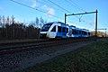 Keolis 45 met stoptrein 31248 Oldenzaal - Zutphen ter hoogte van Hengelo.jpg