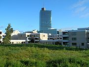 Kista Science Tower Stockholm från Ärvingegången 2005-09-29.jpg