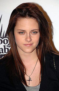 Kristen Stewart adjusted.jpg