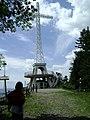 Krzyż na Miejskiej Górze w Limanowej. - panoramio.jpg