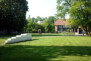 Kunsthalle Bielefeld - Sculpture Garden with sculptures by Sol LeWitt and Henry Moore