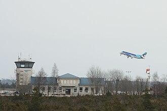 Kuressaare Airport - Image: Kuressaare lennujaam, 2010