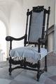 Länstol med randigt möbelöverdrag - Skoklosters slott - 103902.tif