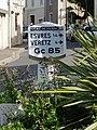 L2892 - Borne michelin - Montlouis-sur-Loire.jpg