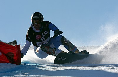 https://upload.wikimedia.org/wikipedia/commons/thumb/c/c3/LG_Snowboard_FIS_World_Cup_%285435328641%29.jpg/401px-LG_Snowboard_FIS_World_Cup_%285435328641%29.jpg