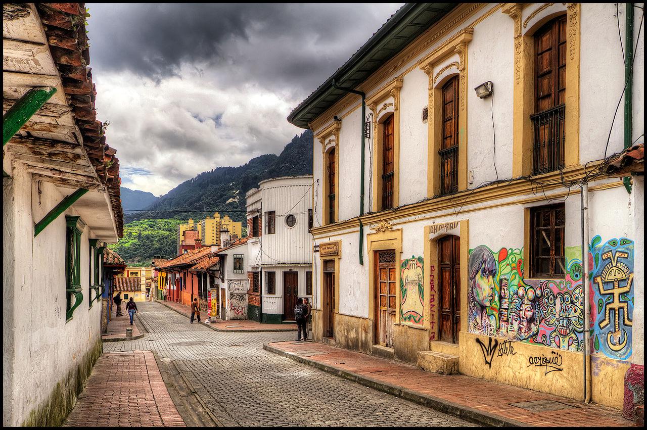 File:La Candelaria, Bogota, Colombia (5812845820).jpg