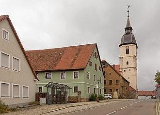 Lehrberg - Image: Lehrberg, die evangelisch lutherische Pfarrkirche Sankt Margaretha in straatzicht Dm D 5 71 171 11 foto 4 2016 08 05 10.05