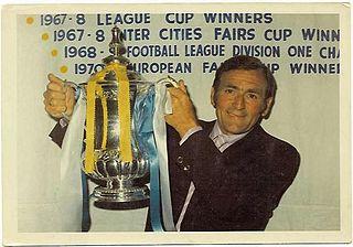 Les Cocker (footballer, born 1924) English footballer and coach