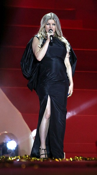 Fergie (singer) - Fergie representing The Foundation for AIDS Research at 2013 Life Ball