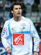 Photographie montrant le milieu albanais Lorik Cana sous le maillot de l'OM.