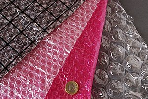 Bubble wrap - Bubble wrap, standard and with colored markings as electrostatic discharge materials, and in different bubble size