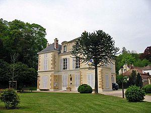 Mézy-sur-Seine - The town hall in Mézy-sur-Seine