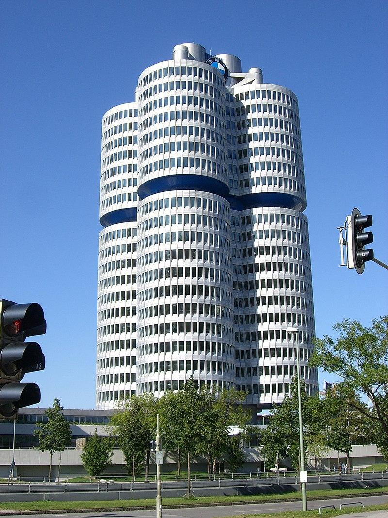 M%C3%BCnchen - BMW-Hauptverwaltung.jpg