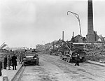 Maastricht, Rema & Zinkwitfabriek na bombardement, 1944.jpg