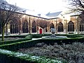 Maastricht, Sint-Servaasbasiliek, pandhof met zuidwestelijke kruisgang.jpg