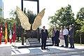 Madrid y México reafirman sus lazos de unión con la escultura Alas de México 03.jpg