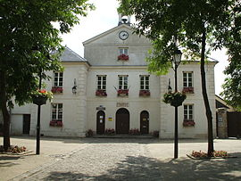 The town hall in Ennery