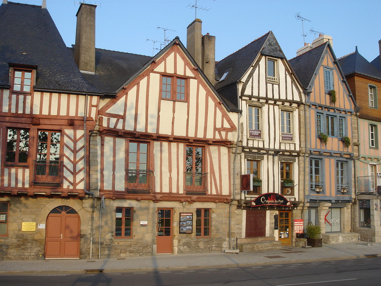 File maisons vannes rue du port vannes louis maitrier for Type maison