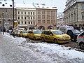Malostranské náměstí, taxistanoviště.jpg