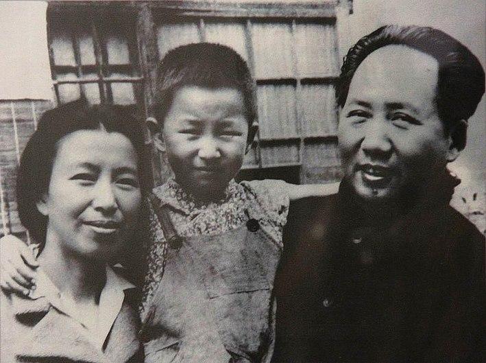 Mao Jiang Qing and daughter Li Na.jpg