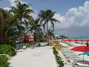 Mariott Resort beach and pool (339388625).jpg