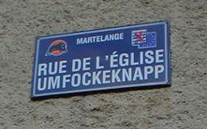 Arelerland - Bilingual street sign in Martelange.