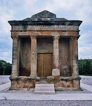 Roman mausoleum of Fabara - Image: Mausoleu de Favara 2