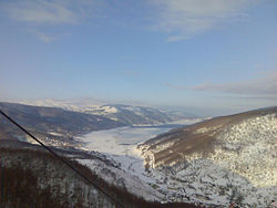 Mavrovo-lake-winter.jpg