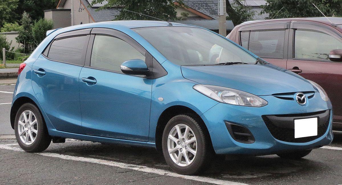 Mazda Demio DE 13-SKYACTIV.JPG