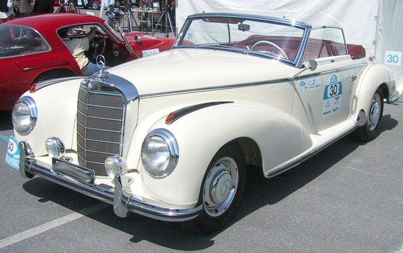 800px-Mercedes-Benz_300S_Roadster_1953.jpg