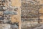 Meyrieu Eglise Mur Chevet Galets.jpg