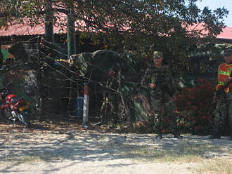 5th Mechanized Infantry Battalion (Colombia) - Soldiers in front of the Papare military base on guard duty