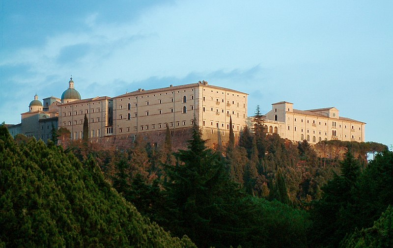 800px-Monte_Cassino_Opactwo_1.JPG