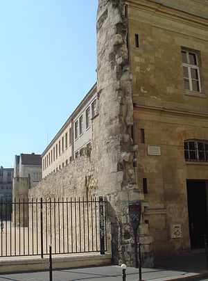 Gabriel, comte de Montgomery - Remains of the Montgomery Tower in the wall of Philippe Auguste in Paris, where Montgomery was briefly imprisoned after accidentally killing Henry II in a jousting accident. Rue des Jardins-Saint-Paul, Paris.