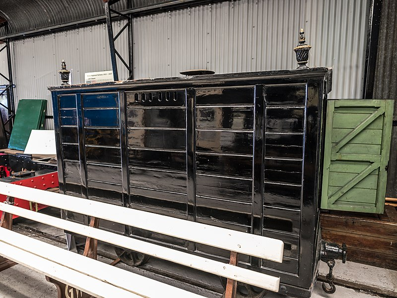 File:Narrow gauge hearse wagon (8010398590).jpg