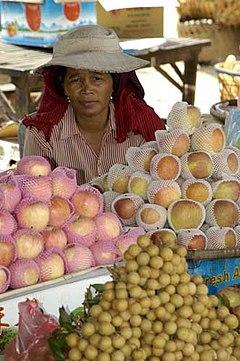 A market in Neak Leoung