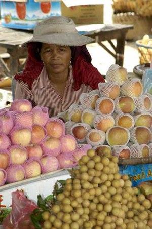 Neak Leung - Market at Mekong ferry landing. Nak Loeung, Prey Veng, Cambodia