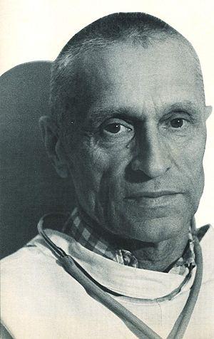 [photograph of Nikolai Amosov]