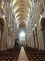 Noyon (60), cathédrale Notre-Dame, nef, vue vers l'est 3.jpg