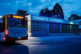 Omnibus Schnaith in Tübingen zur blauen Stunde mit Bus.jpg